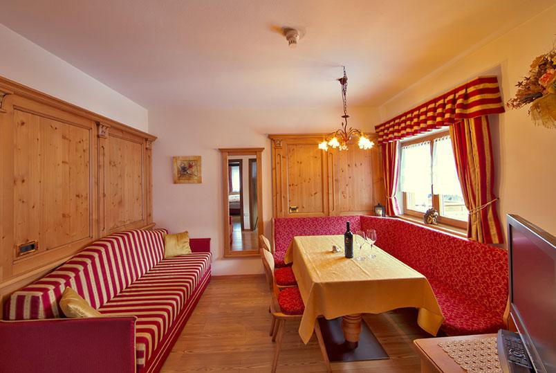appartamenti a san vigilio di marebbe - garni residence diamant - Soggiorno Stile Tirolese
