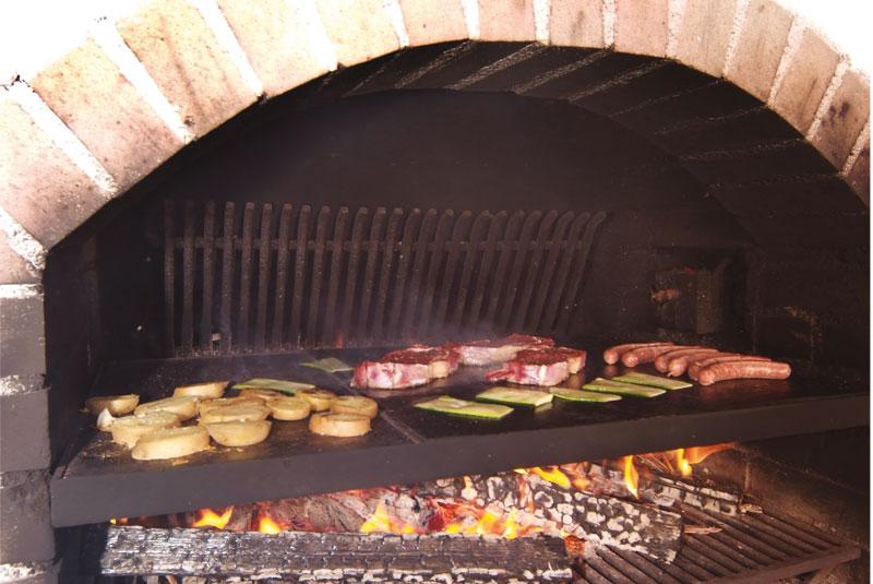 Grigliate e giardino garni residence diamant a san vigilio - Angolo barbecue in giardino ...